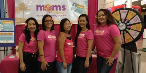 Moms in Hawaii Crew