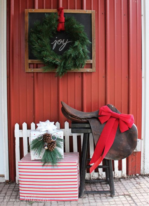 Christmas Decorations for a Stable or Equestrian Porch Idea