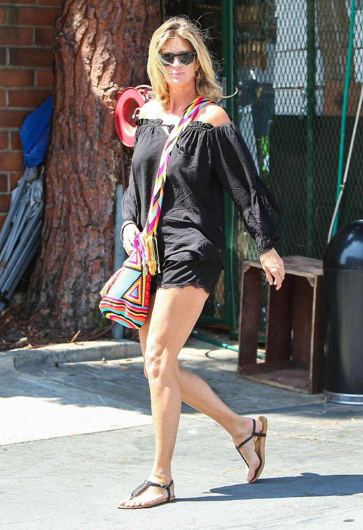 RACHEL HUNTER Shopping At Bristol Farms In West Hollywood 08072015 HawtCelebs