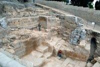 חפירות החומה מימי החשמונאים. צילום: רשות העתיקות