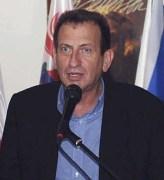 רון חולדאי בפתיחת מרכז נוער יהודי-ערבי ביפו, מתוך ויקיפדיה