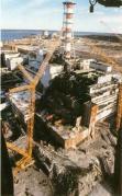 הכור הגרעיני בצ'רנוביל שבאוקראינה לאחר האסון. צילום: מתוך ויקיפדיה