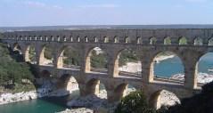 מוביל מים רומי בצרפת, מתוארך לשנת 19 לפני הספירה
