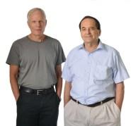 """מימין: ד""""ר יגאל גת ופרופ' מוטי הייבלום"""