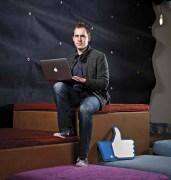 ברט טיילור מנהל הפיתוח בפייסבוק רוצה להתאים את האינטרנט למה שהמשתמש רוצה באמת. צילום: MIT TECHNOLOGY REVIEW