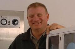 פרופ' דן גזית מהמעבדה לביוטכנולוגיה של השלד באוניברסיטה העברית