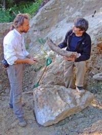 לודוביץ' סלימק ופאבל פאבלוב, שניים מהחוקרים שגילו שרידי תרבות ניאנדרטלית בצפון רוסיה