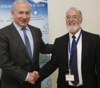 פרופ' יצחק בן ישראל וראש הממשלה בנימין נתניהו בסדנת יובל נאמן למדע טכנולוגיה ובטחון, 8 ביוני 2011