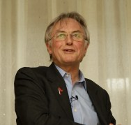 פרופ' ריצ'ארד דוקינס בכנס האגודה האתאיסטית האמריקנית בשנת 2008. מתוך ויקיפדיה