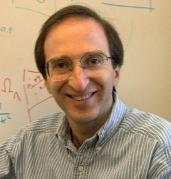 פרופ' סול פרלמוטר מברקלי, אחד מזוכי פרס נובל לפיזיקה לשנת 2011
