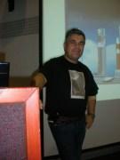 """טל ענבר בערב ההרצאות """"האיומים על המדע והתבונה"""" של אתר הידען וחמד""""ע, 2/11/2011. צילום: אבי בליזובסקי"""