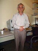 פרופ' יעקב בקנשטיין, האוניברסיטה העברית. מתוך ויקיפדיה