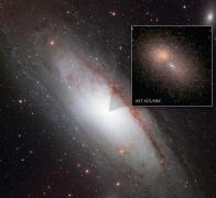 הגלעין הכפול של אנדרומדה. צילום: טלסקופ החלל האבל. הצילום הגדול של גלקסית אנדרומדה הוא מאוניברסיטת אנקורג' באלסקה, 2001