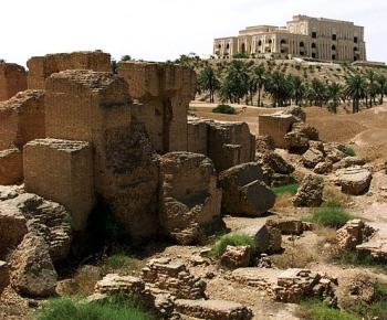 הריסות העיר הקדומה בבל בתחומה נמצא לוח החידות