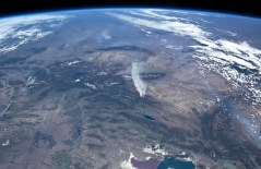 """שריפות הפרא במערב ארה""""ב כפי שצולמו מתחנת החלל הבינלאומית, 27 ביוני 2012"""