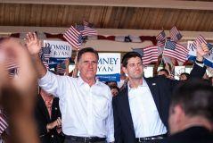 מועמד המפלגה הרפובליקנית מיט רומני והמועמד לסגן נשיא פול ראיין בועידת המפלגה שהתקיימה בטמפה פלורידה בסוף אוגוסט 2012. מתוך ויקי-ניוז. במקור מפליקר, רשיון CC