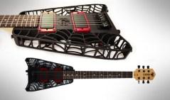 גיטרה שהודפסה בתלת-ממד. דוגמה לשימוש היצירתי בטכנולוגיה החדשה. שימו לב לעכביש שבתוך הגיטרה!