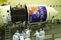 הלוויין עמוס 4 מגיע למרכז החלל בייקונור לקראת שיגורו ב-31 באוגוסט 2013. צילום: סוכנות החלל הרוסית רוסקוסמוס