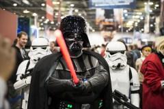 שחקנים מציגים את דמויות 'מלחמת הכוכבים' באירוע בלונדון, אוקטובר 2012. Nando Machado / Shutterstock.com