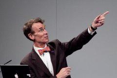 איש המדע ביל ניי, בהרצאה משנת 2010. מתוך ויקיפדיה