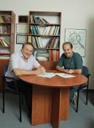 מימין: דוד גלבוואסר-קלימובסקי ופרופ' גרשון קוריצקי. אפקט קוונטי