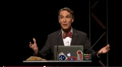 עיתונאי המדע ביל ניי, תמונת מסך מתוך סרט העימות ב-YOUTUBE בין מסביר המדע ביל ניי לבין מנהל מוזיאון הבריאה בקנטקי קן האם, 5 בפברואר 2014.