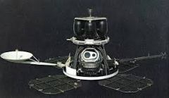"""אחת מחלליות lunar orbiter. צילום: נאס""""א"""