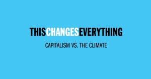 """עטיפת ספרה של נעמי קליין """"הדבר ישנה את הכל - הקפיטליזם נגד האקלים"""""""