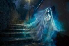 """""""רוח רפאים"""" מקסיקנית. תחפושת לחג הלואין (ליל כל הקדושים). צילום: shutterstock"""