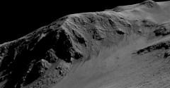 הפסים הדקים הכהים במורדות גבעות במאים כמו זו בקטע של מכתש הורוביץ יכולים היו להיווצר מזרימה עונתית של מים במאדים של ימינו. אורכם של הערוצים כמה מאות מטרים
