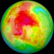 החור בשכבת האוזון מעל הקוטב הצפוני. תצלום: NASA