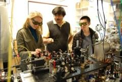 """מעבדת קירור האטומים של Mukund Vengalattore באוניברסיטת קורנל. צילום יח""""צ"""