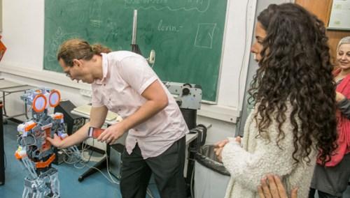 מעבדת הסקרנות באוניברסיטת תל אביב