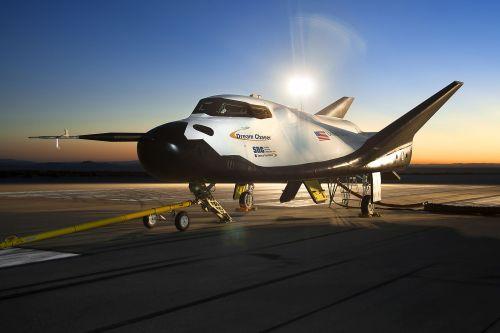 """דגם ניסויי של החללית דרים צ'ייסר. מקור: נאס""""א."""