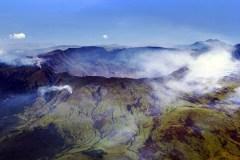 הר הגעש טמבורה באי סומבאוואה שבאינדונזיה. תצלום: Jialiang Gao / Wikimedia.