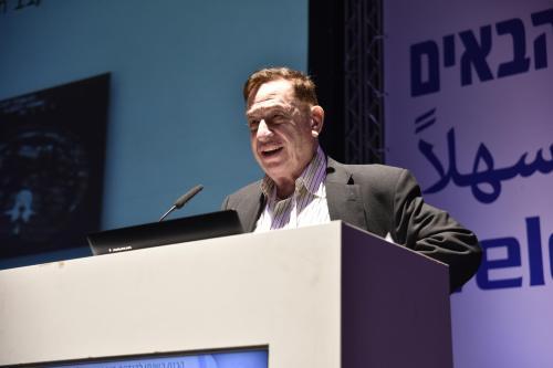 """ד""""ר אברהם סוחמי, שנשא את ההרצאה הראשית בכנס וסיפר על טכנולוגיית דימות חדשה שהוא שוקד על פיתוחה. מקור: דוברות הטכניון."""