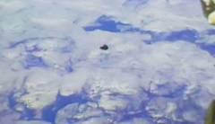 דוכיפת 2 יוצא אל מסלולו בחלל (צילום מסך, ISS).