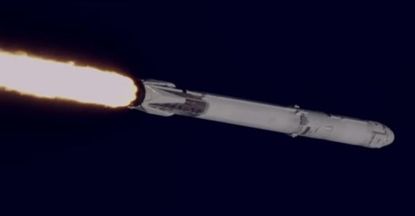 צילום תקריב של משגר הפאלקון 9 המשומש במהלך השיגור אתמול. צילום מסך מערוץ היטיוב של NASA.