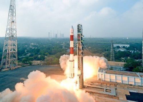 משגר PSLV הודי. ישגר בסוף השנה הנוכחית להק של שלושה לוויינים זעירים של הטכניון. מקור: ISRO.