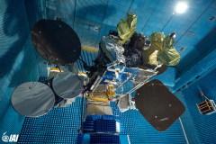 """לוויין התקשורת עמוס 6 -בזמן בדיקת מערכת בתעשיה האווירית לפני יציאתו לשיגור, והתפוצצותו על המשגר כיומיים לפני השיגור המתוכנן. צילום יח""""צ התעשייה האווירית"""