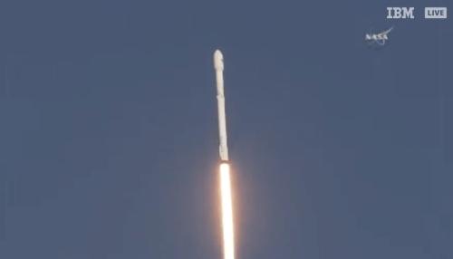 שיגור טלסקופ החלל TESS על גבי משגר פאלקון 9 של ספייס אקס, 19/4/18. צילום מסך - NASA TV