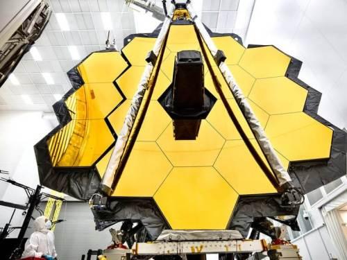 """טלסקופ החלל ג'יימס ווב בשלבי הרכבה. צילום: נאס""""א"""