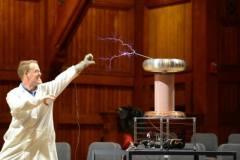 רגע של מדע, מתוך טקס פרסי איגנובל 2017. צילום: Mike Binveniste/Improbable Research