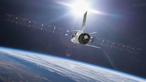 החללית בפי-קולומבו חולפת בטיסת יעף ליד כדור הארץ. איור: ESA
