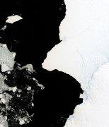"""מדף הקרח בראנט. ממדף הקרח צפוי להתנתק חתיכה עצומה בגודל של לפחות 1,700 קילומטר רבוע. תצלום: נאס""""א"""