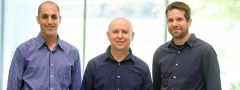"""מימין לשמאל: פרופ' אילן דינשטיין, ד""""ר גל המאירי וד""""ר עידן מנשה. צילום: דוברות אוניברסיטת בן גוריון"""