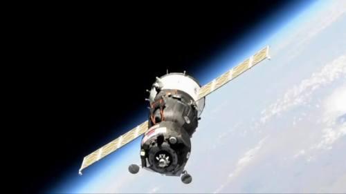 """החללית Soyuz MS-14 כפי שצולמה ב-24 באוגוסט 2019 בעת נסיון העגינה שלה בתחנת החלל. צילום: נאס""""א"""