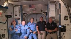 """בנקן והארלי, מימין, מצטרפים לצוות הקיים של תחנת החלל הבינלאומית. צילום: נאס""""א"""