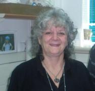 פרופ' עדה יונת במעבדתה, 30 בנובמבר 2009. צילום: אבי בליזובסקי