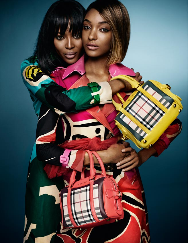 Photo: Naomi Campbell and Jourdan Dunn, shot by Mario Testino for Burberry